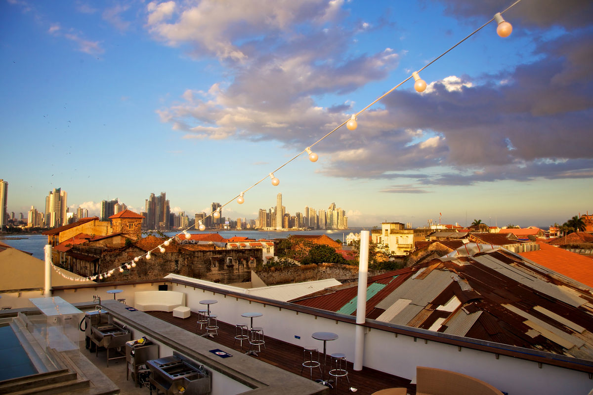 Vista desde el Roofbar. Foto: tantalohotel.com