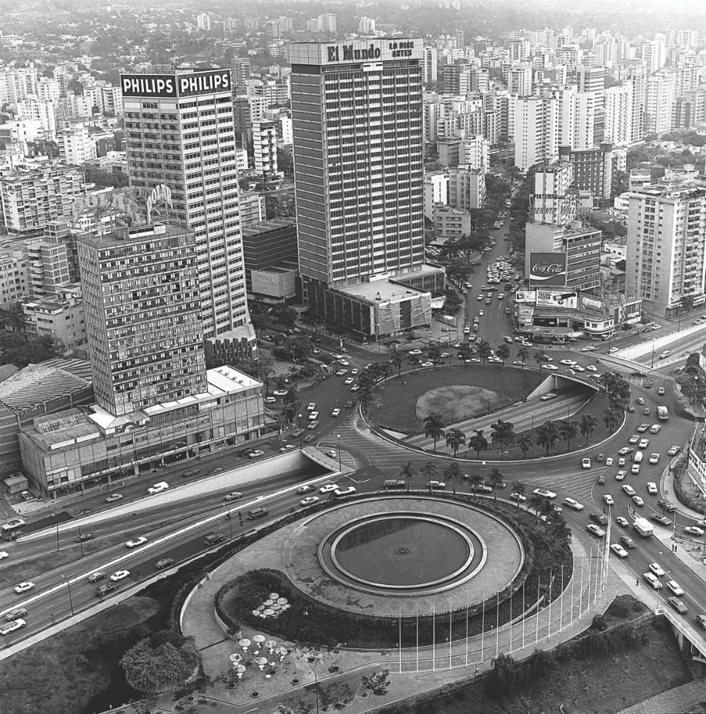 Fernando Irazabal. Vista aérea Plaza Venezuela Caracas 1968. Foto: Archivo Fotografía Urbana