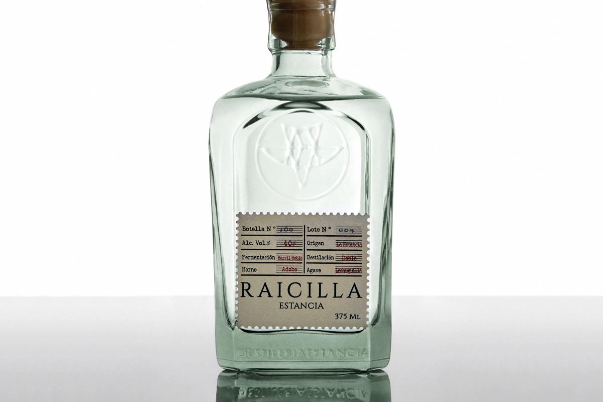 Raicilla bottle. Foto: Estancia Raiclla.