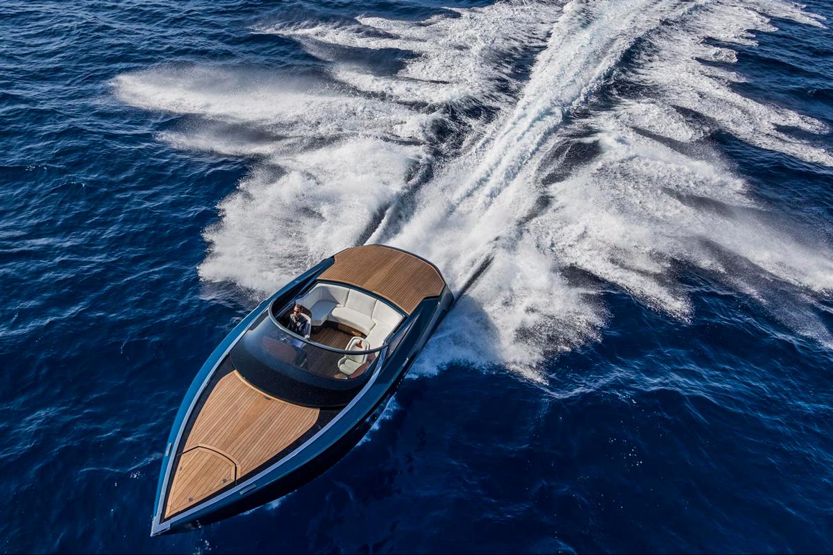 Aston Martin Powerboat AM37. Foto: astonmartin.com